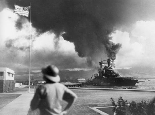 pearl-harbor-us-flag-w-ship-burning