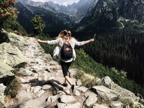 adult-adventure-backpack pexels-287240